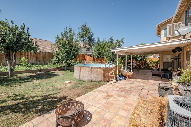 564 Conifer Drive, Palmdale CA: http://media.crmls.org/mediascn/a477a061-5f1d-4b46-a500-dfceba0ad6a0.jpg
