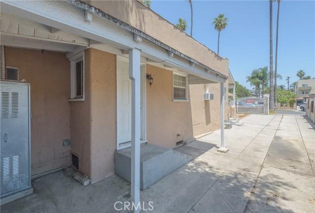 14654 Erwin Street, Van Nuys CA: http://media.crmls.org/mediascn/a49b1bc6-e1d6-4e6c-ba51-379f3fbc00e9.jpg