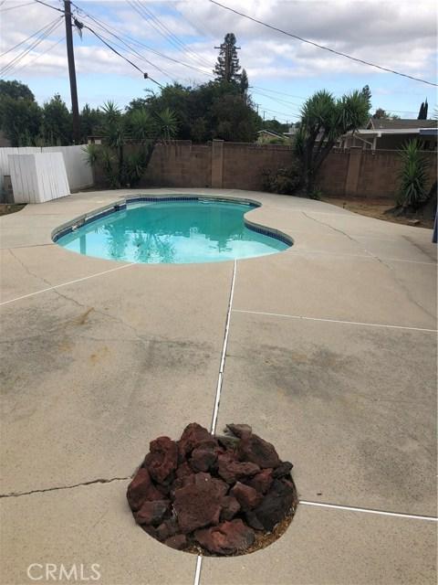 6622 Franrivers Avenue, West Hills CA: http://media.crmls.org/mediascn/a4c66209-6aa2-4fc0-99fd-63c550f17e66.jpg