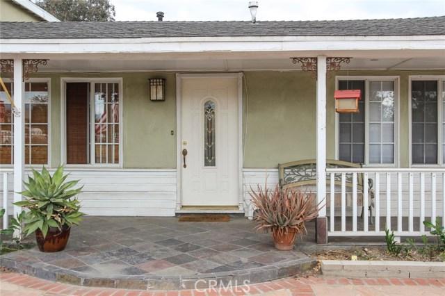10922 Olinda Street, Sun Valley CA: http://media.crmls.org/mediascn/a4fb449a-1801-4716-aea9-1c2bbf45187f.jpg