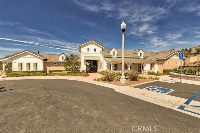 26551 Millhouse Drive, Saugus CA: http://media.crmls.org/mediascn/a5a8971a-4948-4716-8daa-995935344e22.jpg