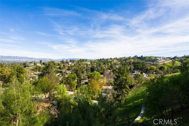4740 Dunman Avenue, Woodland Hills CA: http://media.crmls.org/mediascn/a5b00383-3cff-41f7-94f7-d579f8b81fb3.jpg