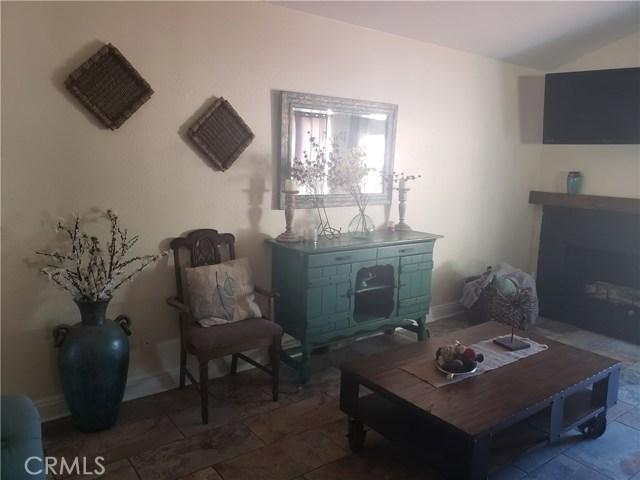429 E Avenue J7, Lancaster CA: http://media.crmls.org/mediascn/a5bdde44-f49b-4ba8-a4d4-e7603c8ca3ab.jpg