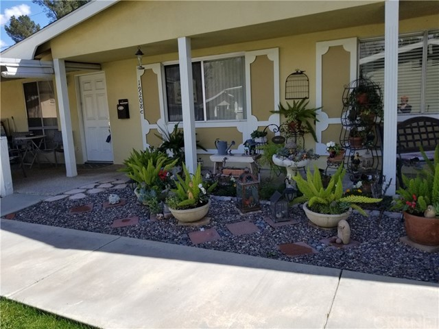 19208 Avenue Of The Oaks Unit C, Newhall CA 91321