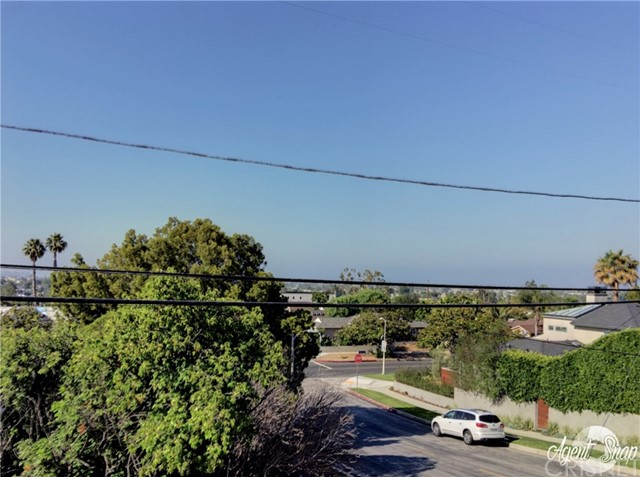 Single Family Home for Sale at 3301 Moore Street Mar Vista, California 90066 United States