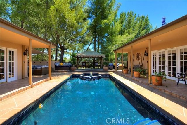 4801 La Montana Circle, Tarzana CA: http://media.crmls.org/mediascn/a6e71d5a-d7bb-488d-b1ac-266a03fe1bc5.jpg