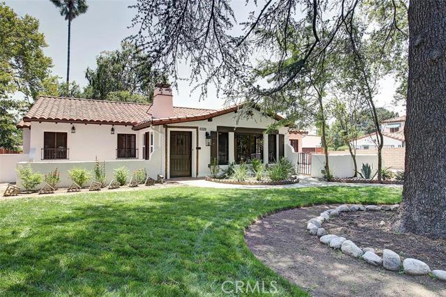 1040 East Woodbury Road, Pasadena, CA 91104