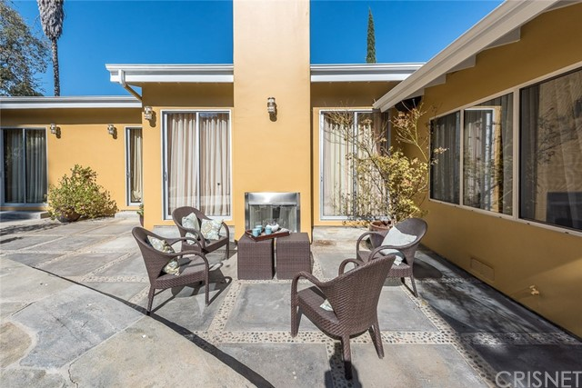 Additional photo for property listing at 5317  Amestoy Avenue 5317  Amestoy Avenue Encino, California 91316 United States