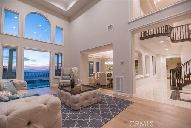 独户住宅 为 销售 在 3313 Wedgewood Lane 伯班克, 加利福尼亚州 91504 美国