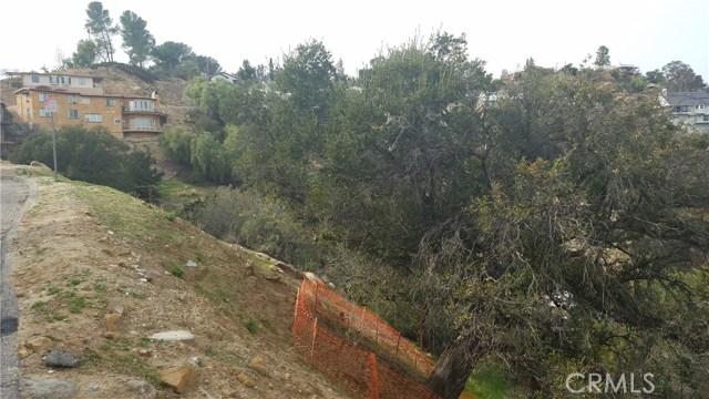 8366 Hillcroft Drive, West Hills CA: http://media.crmls.org/mediascn/a75739c3-a7bd-46a8-9363-a215dffa88be.jpg