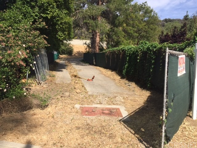 Land for Sale at 4260 Natoma Woodland Hills, California United States