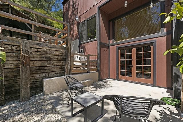 5245 Elvira Road, Woodland Hills CA: http://media.crmls.org/mediascn/a7ac98e1-7c74-4302-a5a9-0e69abb89a47.jpg