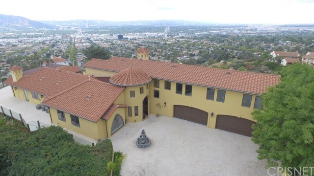 Single Family Home for Sale at 7 Skyline Drive Burbank, California 91501 United States