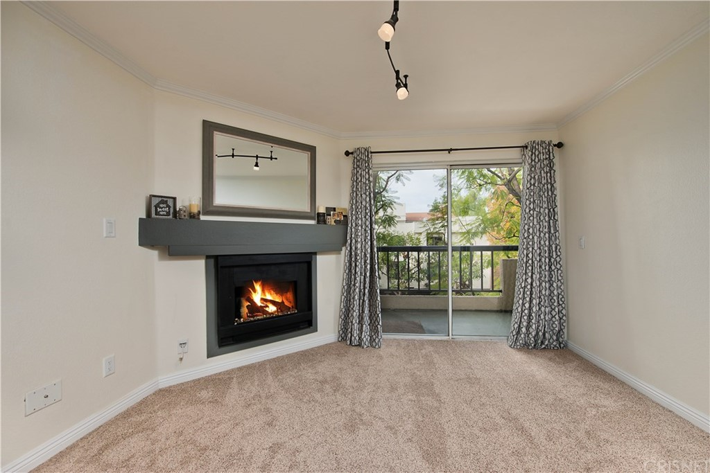 Photo of 21550 BURBANK BOULEVARD #202, Woodland Hills, CA 91367