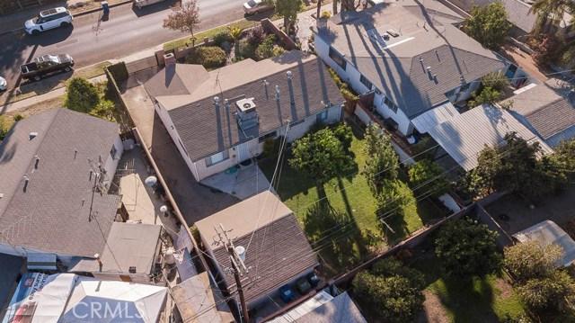 8708 Hazeltine Avenue, Panorama City CA: http://media.crmls.org/mediascn/a7d47c6b-0cc9-4978-9c30-9ed769858454.jpg