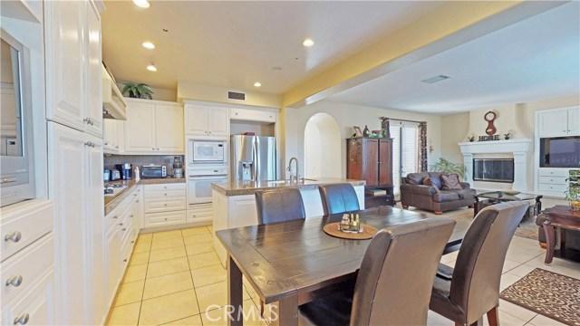26915 Augusta Place, Valencia CA: http://media.crmls.org/mediascn/a7ed8c39-5467-4722-a75e-11031f115b05.jpg