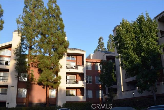 5545 Canoga Avenue, Woodland Hills CA: http://media.crmls.org/mediascn/a81f2d99-9789-4c15-adc8-2bcf7a867aa8.jpg