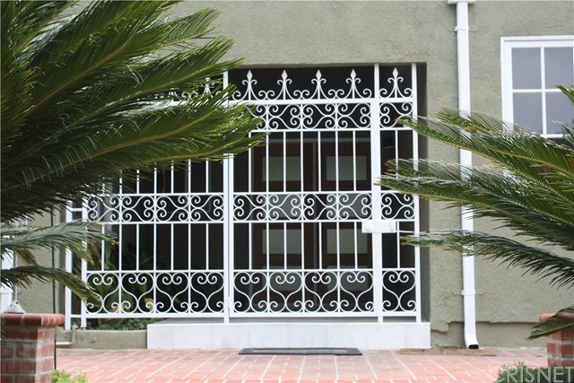 Single Family Home for Rent at 18612 Rocoso Place Tarzana, California 91356 United States