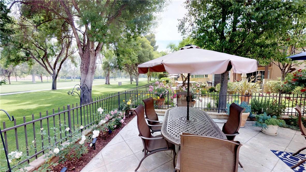 26803 Seurat Lane, Valencia CA: http://media.crmls.org/mediascn/a86022eb-f553-4263-bf8d-014fdafb8d5e.jpg