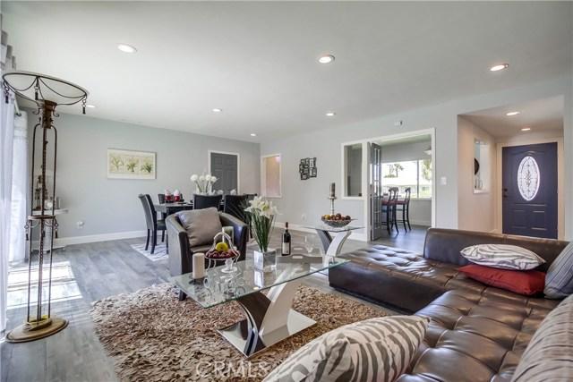 10426 Yolanda Avenue, Northridge CA: http://media.crmls.org/mediascn/a87494cb-4bb9-4d48-ba05-f1b197800831.jpg