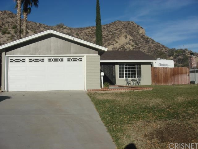 Property for sale at 29734 Wisteria Valley Road, Canyon Country,  CA 91387
