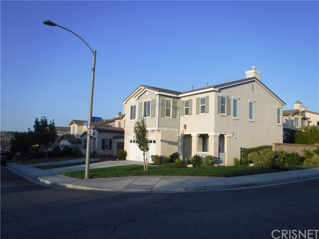 37624 Mangrove Drive, Palmdale CA: http://media.crmls.org/mediascn/a9348d5d-d45a-49b9-834a-509cd2eaf6ed.jpg