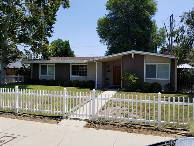 Single Family Home for Sale at 6832 Shoup Avenue 6832 Shoup Avenue West Hills, California 91307 United States