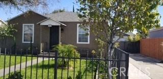 333 S Riverside Avenue, Rialto CA: http://media.crmls.org/mediascn/a975d360-2645-45fb-bb1b-f4432c88596f.jpg