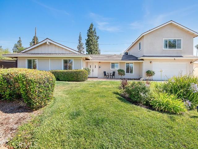 10215 Casaba Avenue, Chatsworth CA: http://media.crmls.org/mediascn/a9a5db91-c8c4-40f2-b3ae-81c7f914cd29.jpg