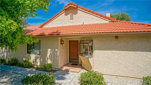 Property for sale at 26361 Rainbow Glen Drive #252, Newhall,  CA 91321