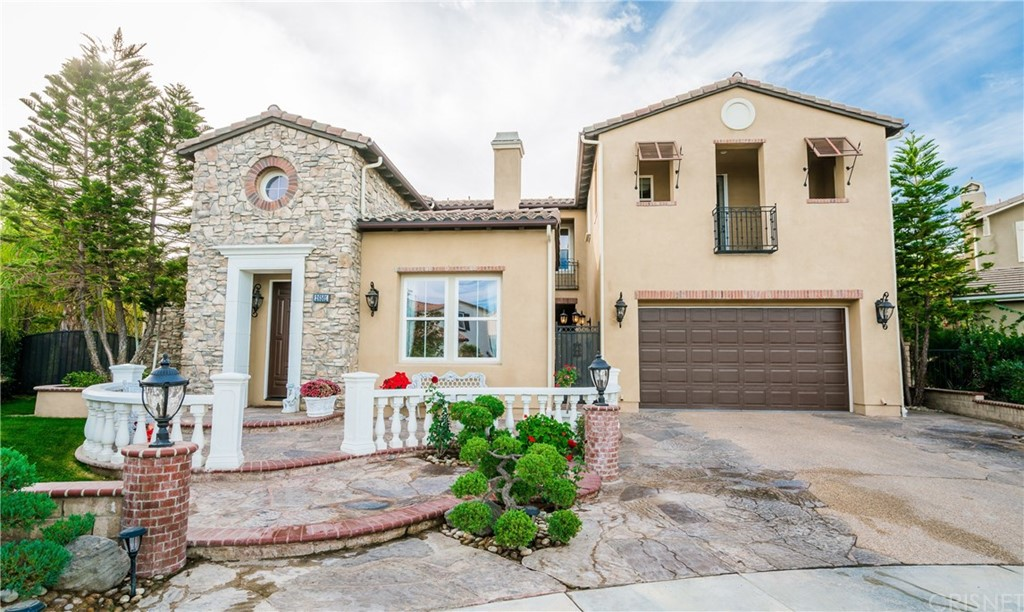 Property for sale at 26501 Oak Terrace Place, Valencia,  CA 91381