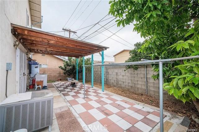 2422 Gatewood Street, Los Angeles CA: http://media.crmls.org/mediascn/aa606df3-7c11-4b97-a8bb-e2e29a73ff14.jpg