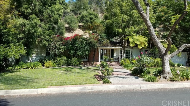 3950 Stansbury Avenue, Sherman Oaks, CA 91423