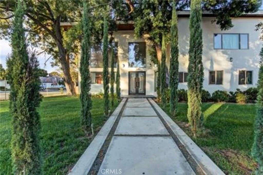 Photo of 15373 VALLEY VISTA BOULEVARD, Sherman Oaks, CA 91403
