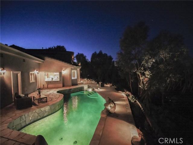 24833 Jacob Hamblin Road, Hidden Hills CA: http://media.crmls.org/mediascn/aaaaca76-87b0-488e-a674-5911e619f082.jpg