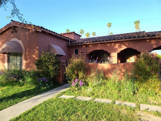 3876 Roxton Los Angeles CA 90008