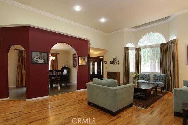 5047 Varna Avenue, Sherman Oaks CA 91423