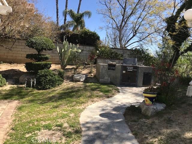 17806 Arvida Drive, Granada Hills CA: http://media.crmls.org/mediascn/aad5952b-ba64-4a72-954f-23b1cdeb1177.jpg