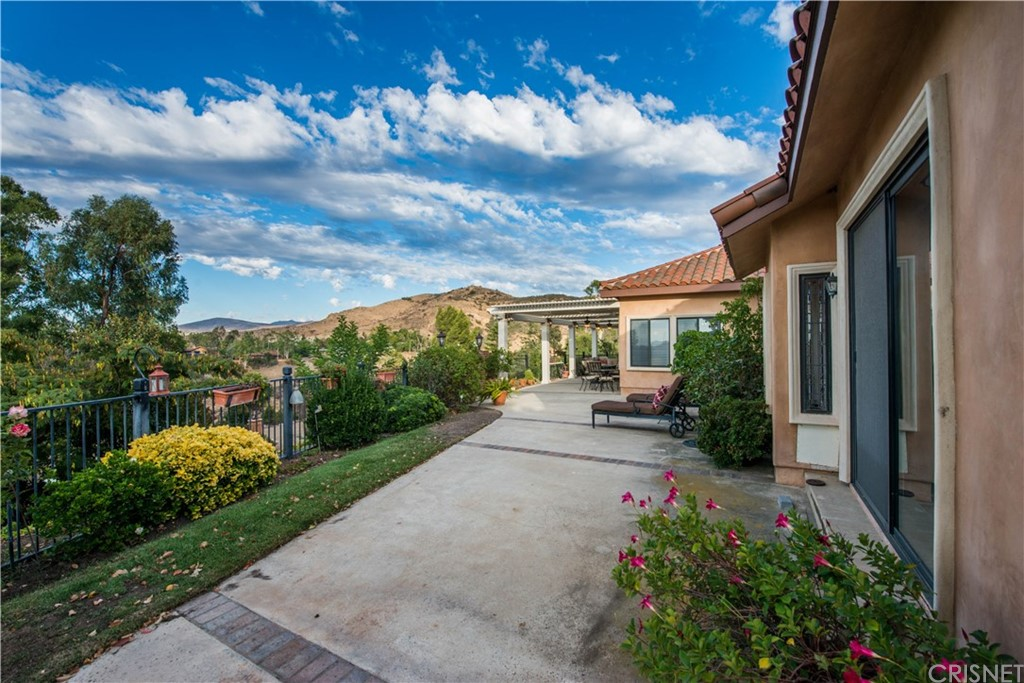 211 SUNDOWN ROAD, WESTLAKE VILLAGE, CA 91361  Photo 5