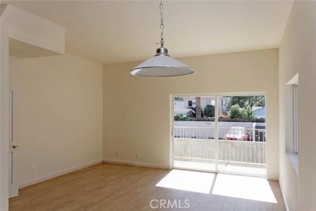 14735 Friar Street, Van Nuys CA: http://media.crmls.org/mediascn/ab82c70d-e512-46bc-ae09-1daf048fa7b5.jpg