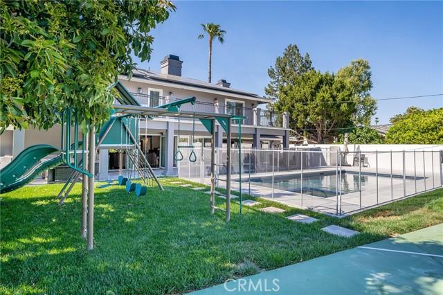6140 Fenwood Avenue, Woodland Hills CA: http://media.crmls.org/mediascn/ab8dca5f-7993-4fba-aa0a-7da076421178.jpg
