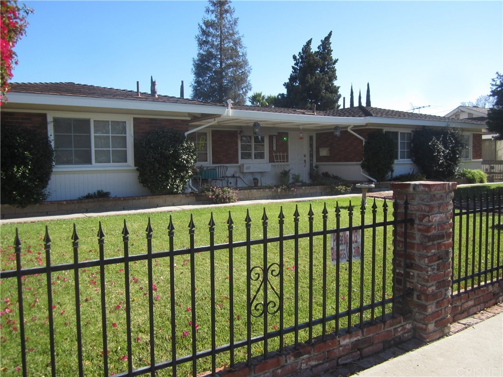 8016 Woodlake Avenue, West Hills, CA 91304