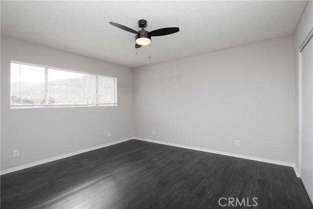 40003 167th E Street, Palmdale CA: http://media.crmls.org/mediascn/abd2616a-c2aa-45b7-aa26-6ea0f68f2386.jpg