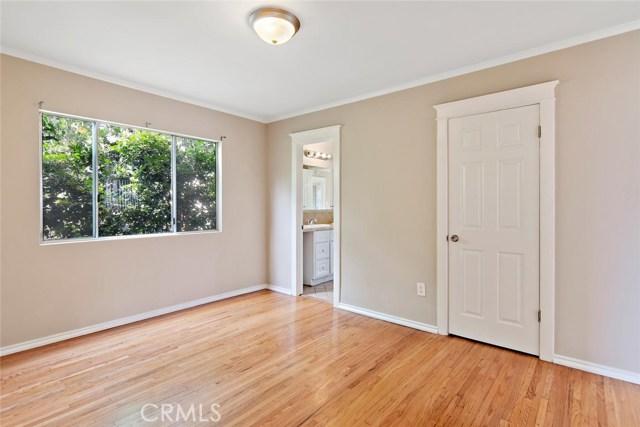 721 N Orange Grove Avenue, Los Angeles CA: http://media.crmls.org/mediascn/abd9f330-98dc-42ea-9b58-eb3f9ac446a0.jpg