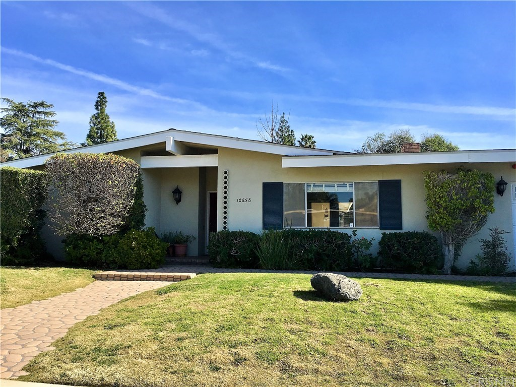 Photo of 10658 OVERMAN AVENUE, Chatsworth, CA 91311