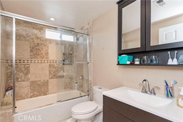 27207 Hidaway Avenue Canyon Country, CA 91351 - MLS #: SR18025897