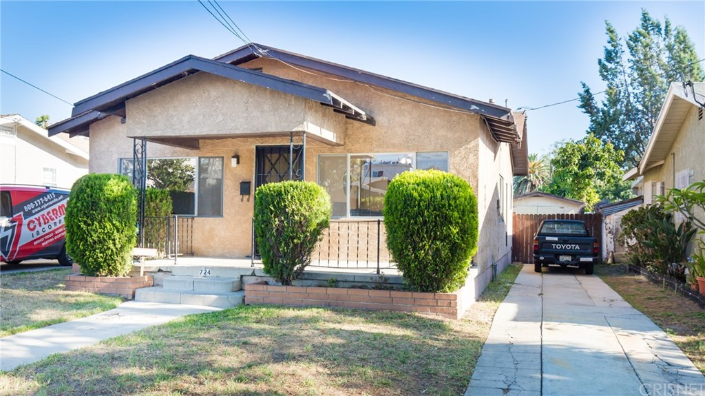 Property for sale at 724 East Chestnut Street, Glendale,  CA 91205