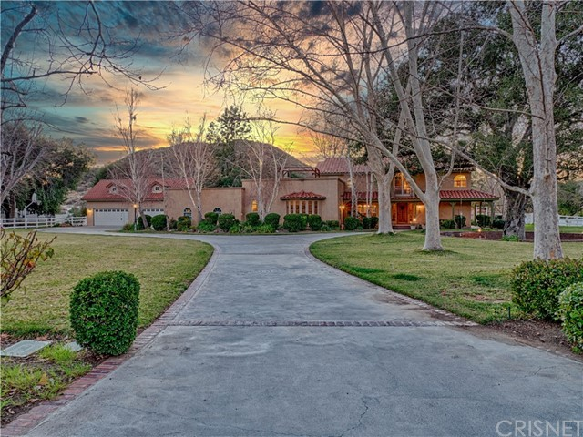 Photo of 27815 Lorjen Road, Canyon Country, CA 91387