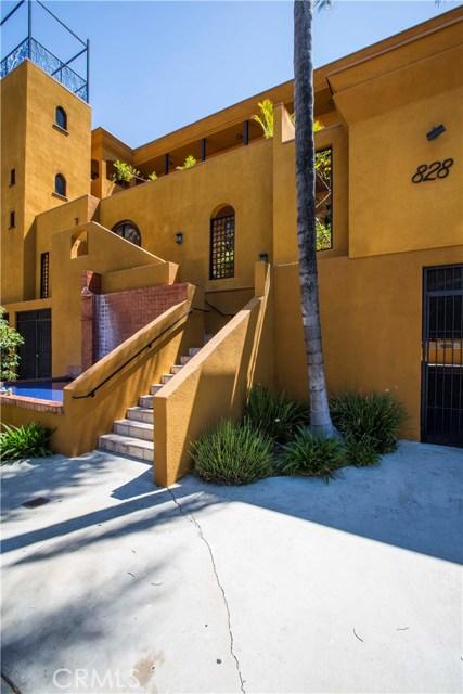 828 N Hudson Avenue, Los Angeles CA: http://media.crmls.org/mediascn/ac8a5926-6fb2-4603-a949-5da20a798ba1.jpg