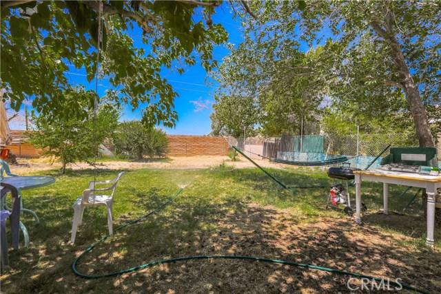 3391 Haven Street, Rosamond CA: http://media.crmls.org/mediascn/ac99ddcf-c122-419f-b934-75ed36481794.jpg